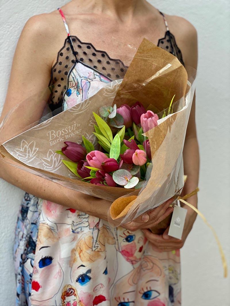 tulipanes artificiales bonitos