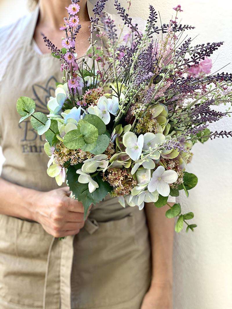 hortensias, ramos de hortensias y lanvandas artificiales. ramos para regalar. regala flores. hortensias artificiales de calidad.