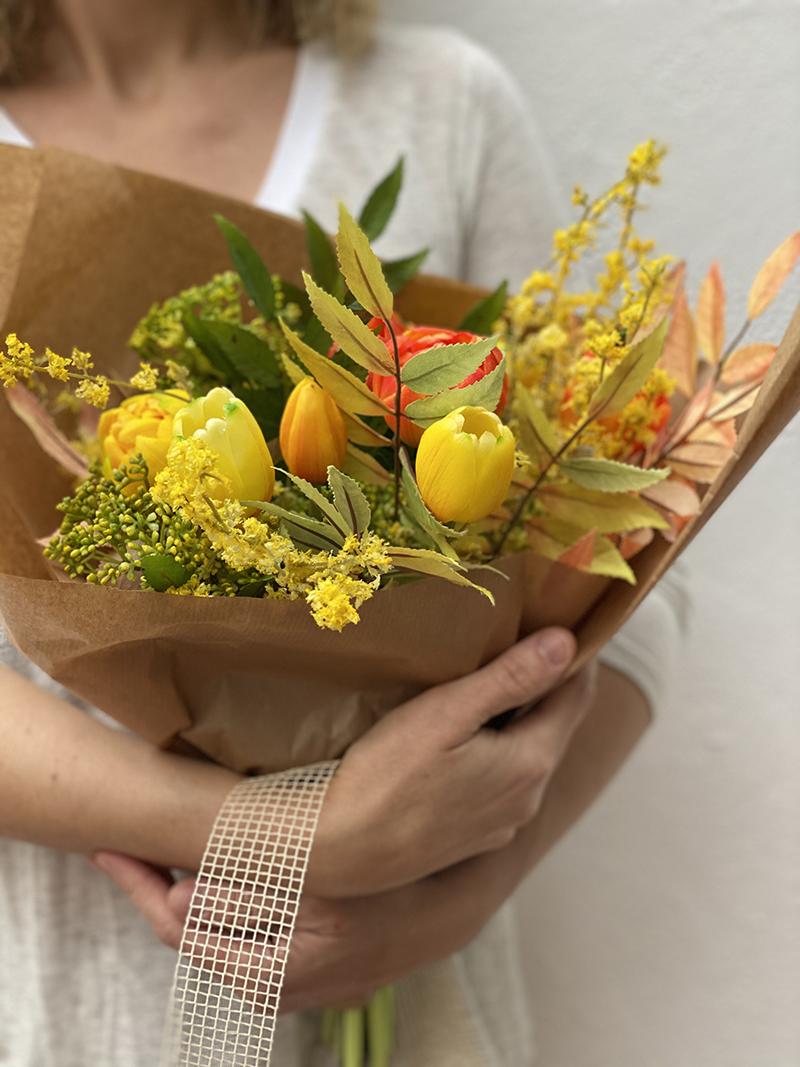 Ramo de tulipanes artificiales para regalar o decorar tus espacios favoritos