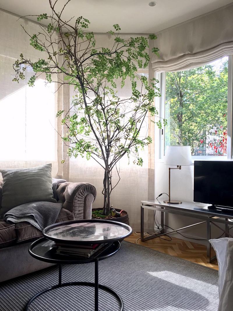 Árboles personalizados a medida en cuanto a forma, tamaño y ramaje. Partimos de un tronco natural preservados y realizamos artesanalmente el árbol con ramajes y volumenes Bossvi por expertos en vegetación artificial en nuestro taller.