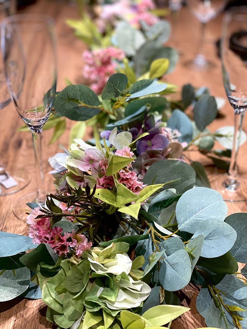 guirnalda, hortensias, mesas